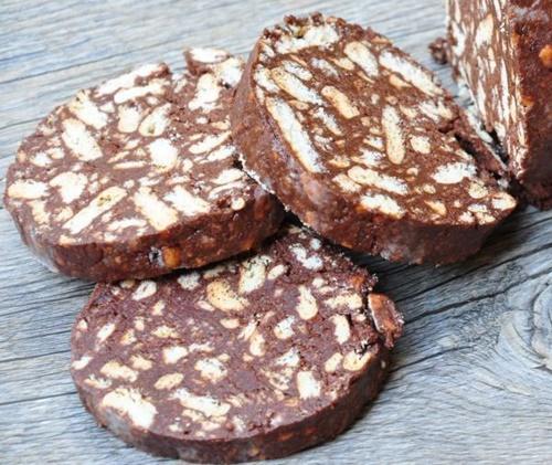 salam de biscuiti simplu